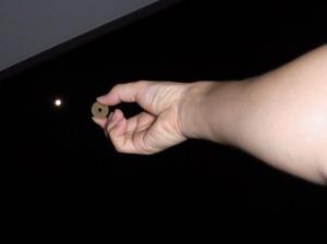 月と五円玉