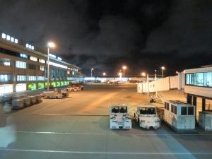那覇空港搭乗ゲート付近から